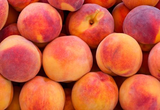 Pesche: origine, proprietà e consigli in cucina