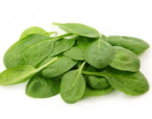 Ortaggi a foglia verde, come spinaci e bietole.