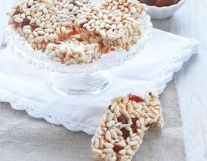 Barrette di riso soffiato e albicocche secche