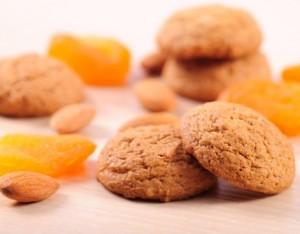 Biscotti morbidi  con albicocche secche