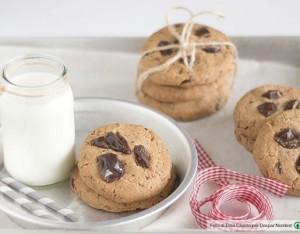 Biscotti di farro speziati con gocce di cioccolato