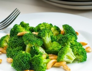 Broccoli saltati alle mandorle