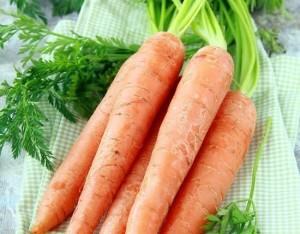 Insalata di carote e pere estive
