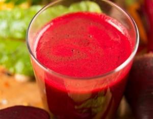 Cocktail di frutta verdura e zenzero