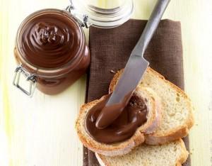 Crema di nocciole piemontesi e cacao