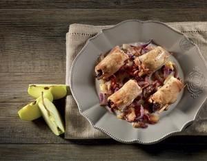 Involtini di maiale con mele e frutta secca