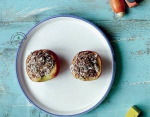 Pesche farcite con ricotta, flakes integrali e cacao