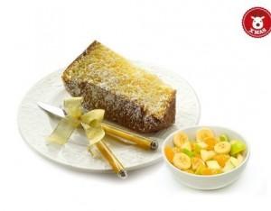 Sandwich di pandoro e frutta