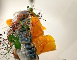 Filetti di sgombro marinati con zucca
