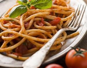 4 buoni motivi per gustare gli spaghetti al pomodoro e basilico