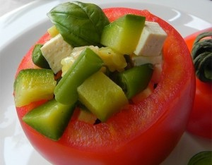 Pomodori ripieni di tofu e verdure