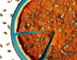 Torta salata con zucca e composta di ciliegie
