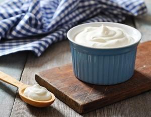 6 buoni motivi per consumare lo yogurt naturale