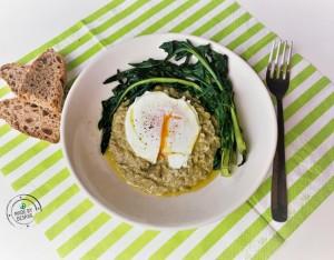 In cucina con la Redazione: come preparare la passata di fave con cicoria e uovo in camicia