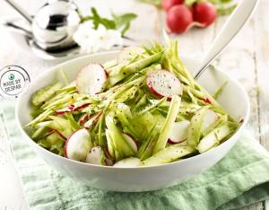 Insalata di ravanelli e asparagi marinati allo zenzero