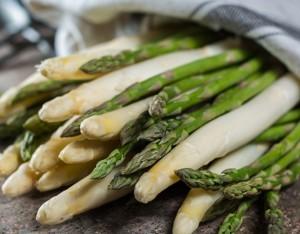 Bianco, verde o violetto? Se parliamo di asparagi, non sbagli mai!