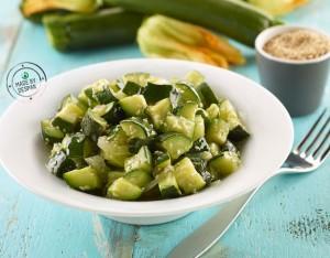 Zucchine al timo e semi di sesamo