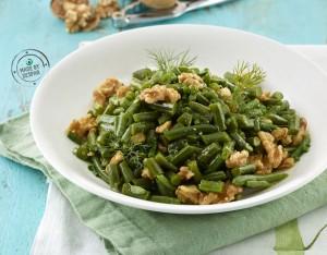 Fagiolini in agrodolce con erbe aromatiche e noci
