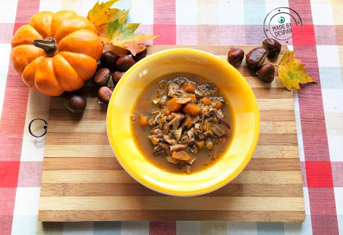 In cucina con la Redazione: come preparare la zuppa di castagne, funghi porcini e zucca