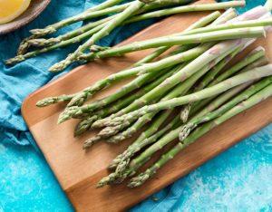 9 motivi per cui gli asparagi ti fanno bene