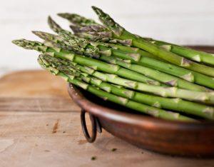 Come pulire e cucinare gli asparagi
