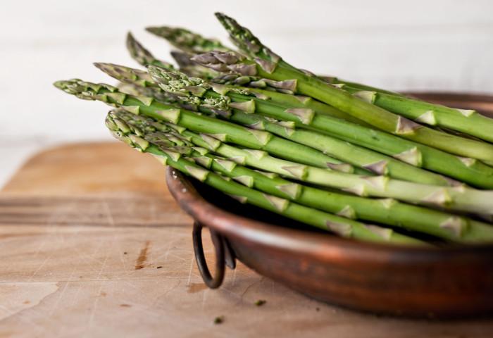 Come pulire e cucinare gli asparagi casa di vita for Cucinare asparagi