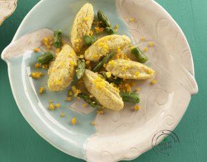 Gnocchetti di ricotta e asparagi con uovo mimosa