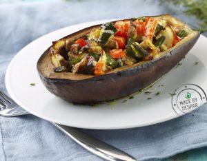 Melanzane ripiene al forno con verdure ed erbe aromatiche