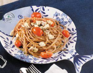 Spaghetti di farro con ragù di spigola