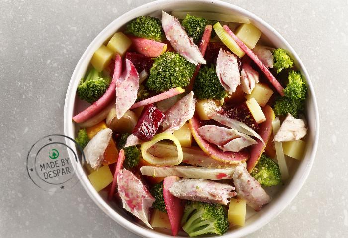 Verdure al vapore, frutta marinata, lampuga e patate
