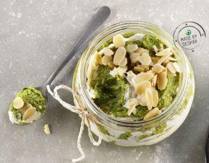 Mousse di broccoli, robiola e mandorle