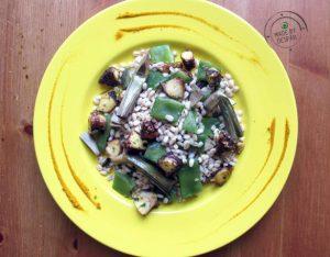 In cucina con la Redazione: come preparare l'orzo con taccole, carciofi e polpo al curry