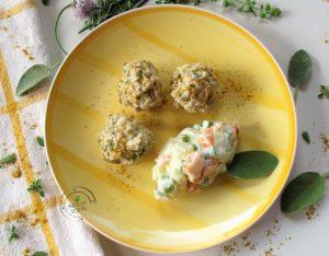 In cucina con la Redazione: come preparare le polpette di pollo speziate con insalata russa