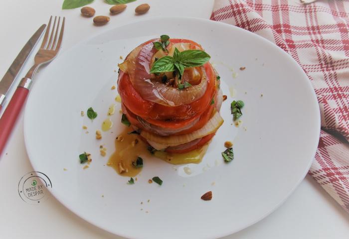 In cucina con la Redazione: come preparare la millefoglie di pomodoro e cipolla