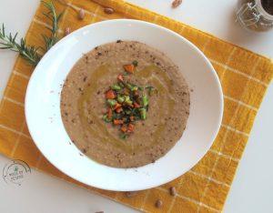 In cucina con la Redazione: come preparare la vellutata di borlotti al rosmarino