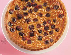 Clafoutis di ciliegie al miele, pinoli e menta