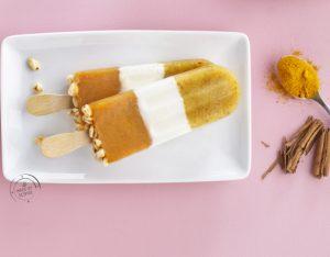 Stecco gelato di frutta, yogurt e cereali