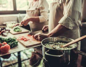 8 utensili indispensabili in cucina