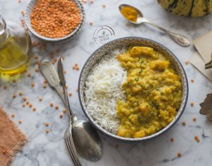 Curry di lenticchie rosse, zucca e latte di cocco