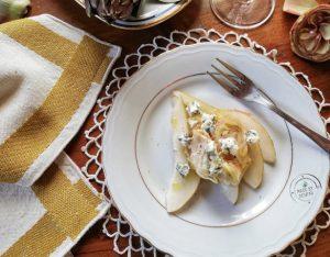 Carciofi crudi, pere e gorgonzola