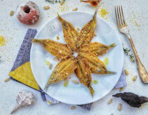 In cucina con la redazione: come preparare le alici al forno con panatura di mais, origano e pinoli