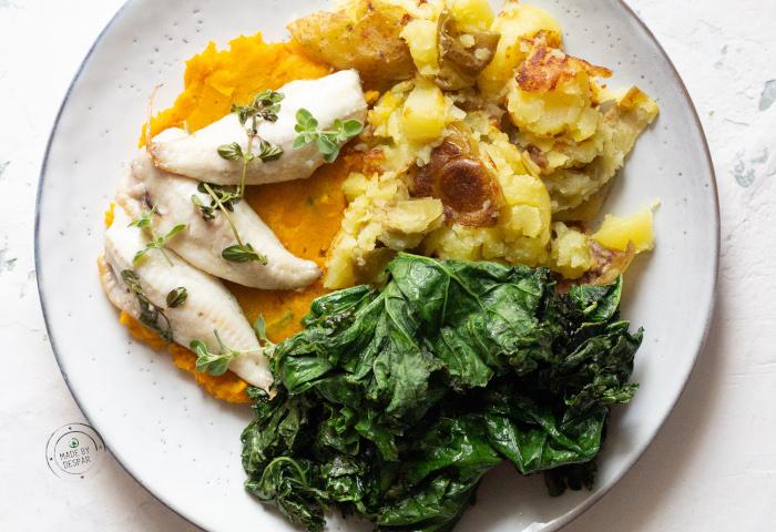 Gallinella su purea di zucca, patate croccanti e cavolo riccio